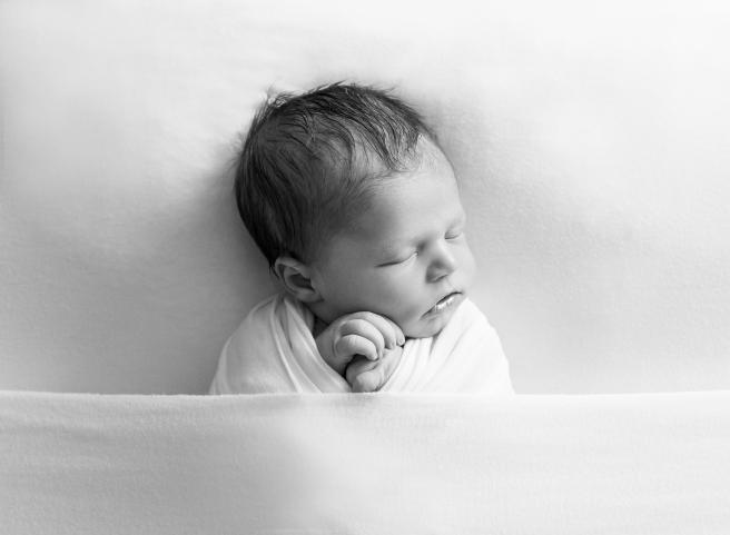 Brown_Newborn_KathrynHylander_8
